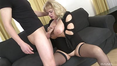 Chunky mature with saggy tits gets fucked by a younger pauper