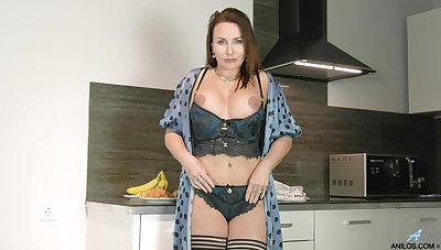 Handsome MILF Tanya Foxxx opens her legs here decree roughly the Nautical galley