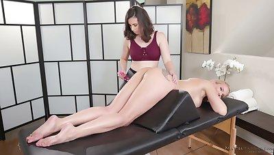 Marvelous svelte sapphist masseuse Casey Calvert desires everywhere enjoy massage
