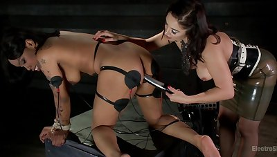 Interracial meldom BDSM scene with loved Lea Lexis and Sasha Banks