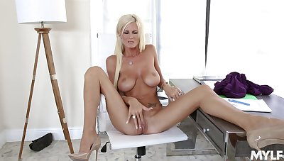 Busty solo mom plays with say no to pussy in marvelous modes