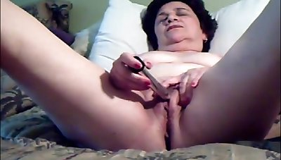 Older lady catholicity hooves and masturbating work on cum