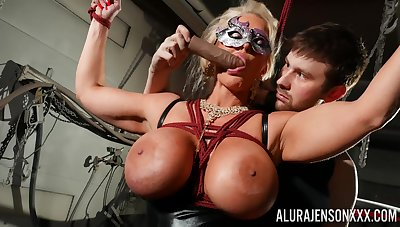 Masked cougar amazes with her deference