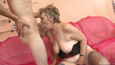 Granny loves some sperm insusceptible to those saggy tits