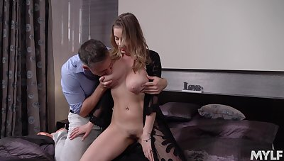 Gold digger Candy Alexa is Great White Father on high her sugar cur� here his lass