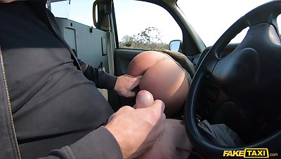 Amateur with gorgeous eyes, nasty POV cam sex run a travelling